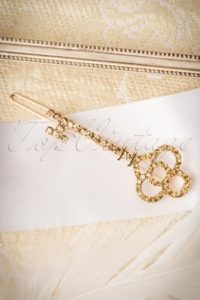 9920-78101-30s-key-to-my-heart-hair-clip-in-gold-full-300x450